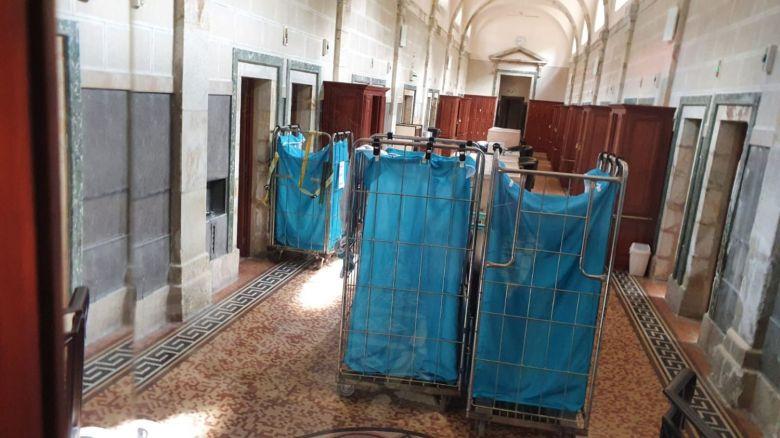 Des bacs de linge qui attendent les curistes, le coronavirus à stoppé l'activité des thermes de Royat. / © Fabien Gandilhon - France 3 Auvergne