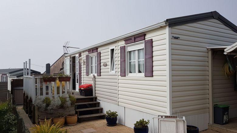 Le mobil-home d'Eliane et Claude au camping municipal de Gouville-sur-mer / © FTV