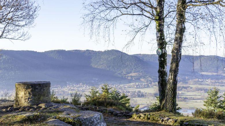 Le camp celtique de la Bure culmine à 580 mètres sur les hauteurs de Saint-Dié-des-Vosges. / © Office de tourisme de Saint-Dié