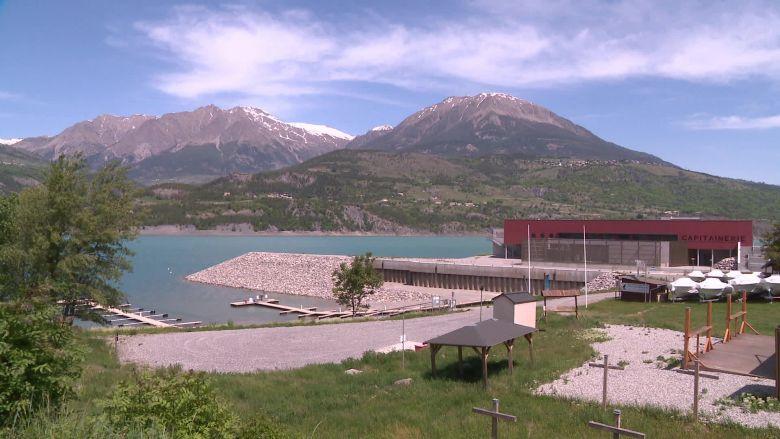 Le lac abrite 70 professionnels dans l'attente d'une reprise. / © Fabien Madigou/France Télévisions.