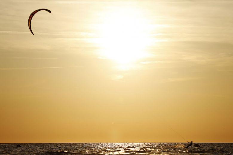 Kite-surf sur la Côte d'Opale / © AFP