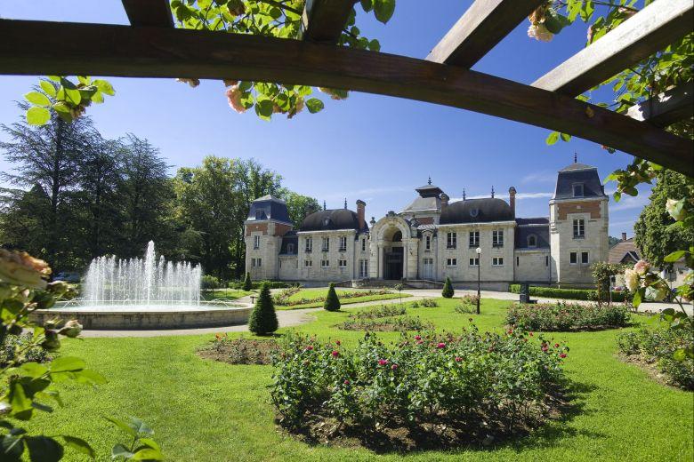 Les thermes de Lons-le-Saunier accueillent plus de 2000 curistes par an / © Valvital