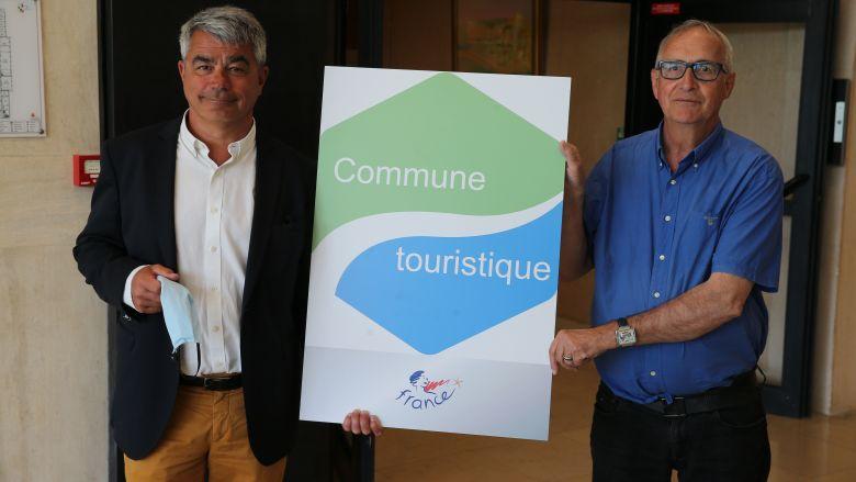 David Samzun et Patrice Bulting, maire et adjoint au tourisme, fiers du dernier label obtenu par Saint-Nazaire / © France Televisions C.François