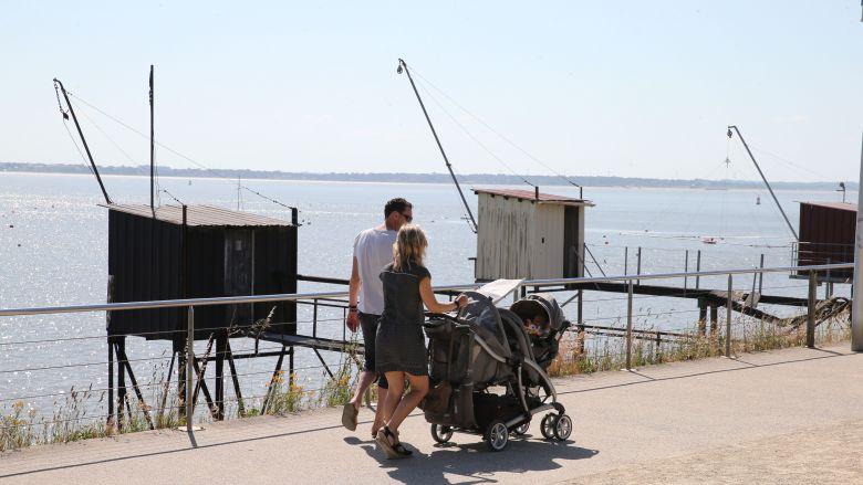 Le front de mer, l'espace dédié aux piétons et cyclistes, les pêcheries, autant d'atouts pour un tourisme de proximité / © France Televisions C.François