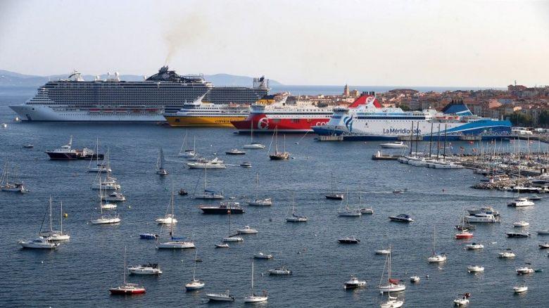 Habituellement, le ballet des bateaux qui relient la Corse et les rives alentours est incessant, durant l'été / © Pascal Pochard-Casabianca / AFP
