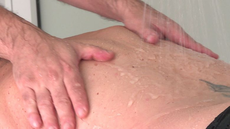 Massage aux Thermes de Saujon / © France Télévisions