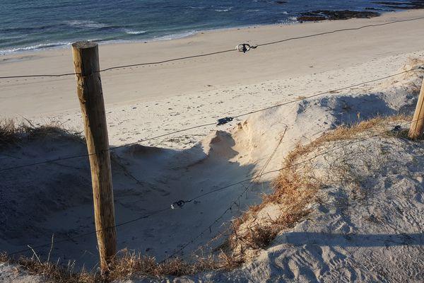La dune de Treffiagat dans le Finistère reculait à chaque grande marée, et a depuis été renforcée par des travaux.