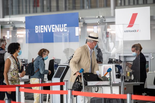 ILLUSTRATION. Accueil des passagers à l'aéroport Paris-Orly par temps de Covid-19.