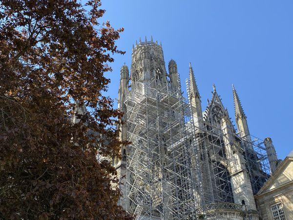 27 avril 2021 – Travaux en cours  à l'intérieur de l'église St Ouen de Rouen