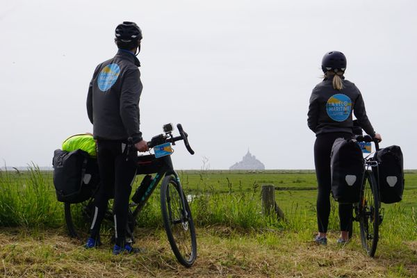 Clément et Sarah sont forcément passés par le Mont-Saint-Michel.