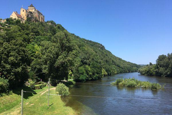 Des berges de la Dordogne submergées en plein mois de juillet, l'image est exceptionnelle