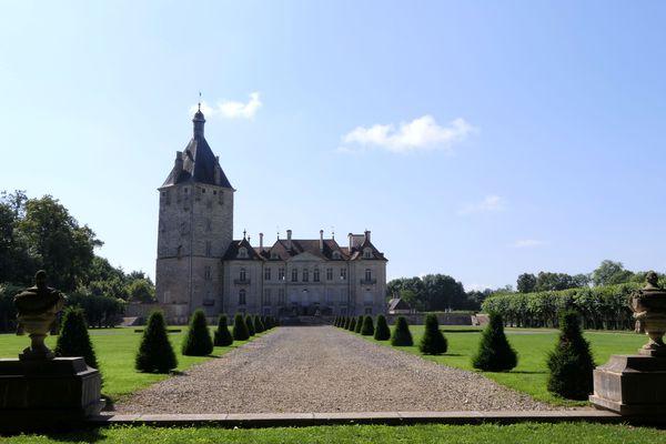A Talmay, le jardin retrace l'histoire du château.