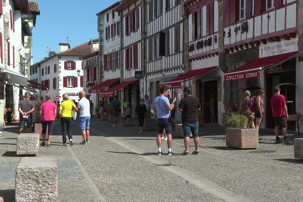 Le village d'Espelette a vu passer jusqu'à 10 000 visiteurs par jour cet été 2021, une affluence exceptionnelle