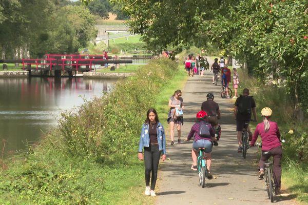 Un lieu fréquenté par les cyclistes et les promeneurs