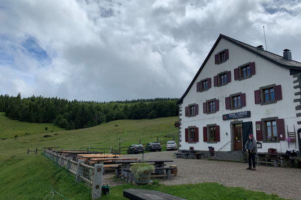 Moins de monde mais des pâturages qui se refont une santé autour de la ferme-auberge du Kahlenwasen.
