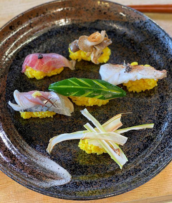 Apprenez à cuisiner le tartare de dorade japonais avec Nathalie Simon et le grand chef cuisinier Ippei Uemura dans Chroniques Méditerranéennes