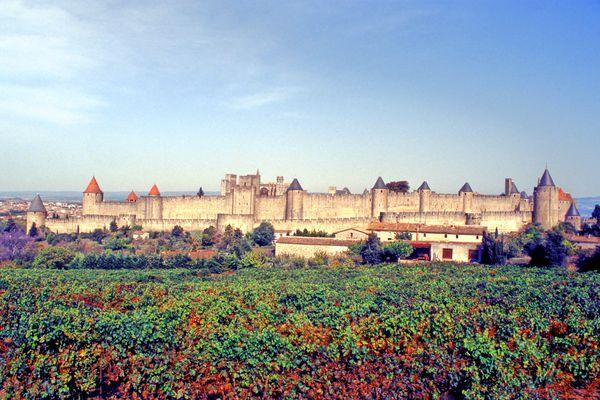 Carcassonne - la Cité médiévale fait 11 hectares - archives.